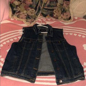 Sleeveless jean jacket